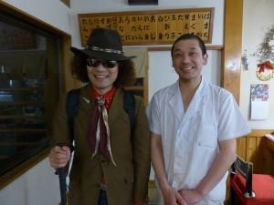 P1360027よかろう寿司店主高橋さんと記念ヨコ